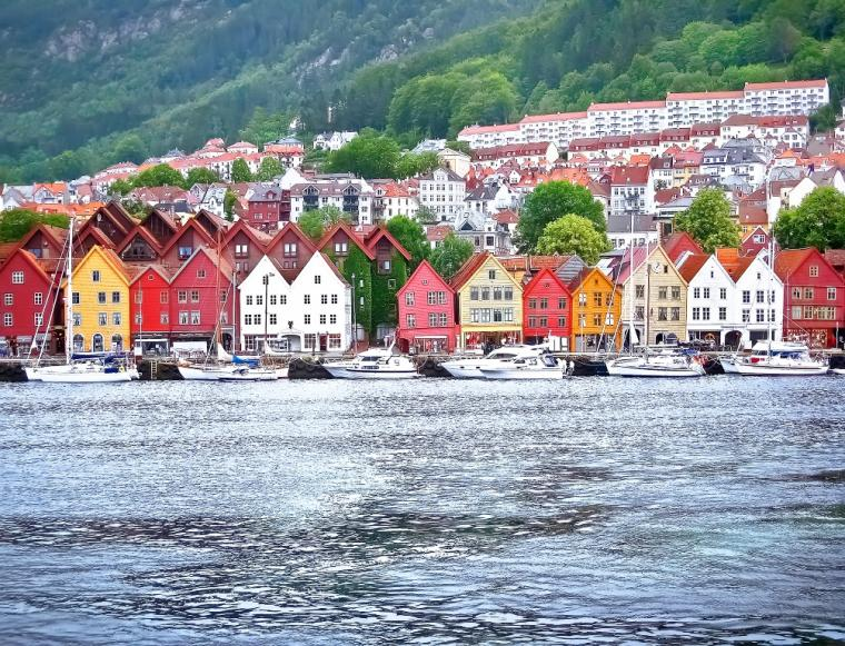 Wooden houses in Bergen - Norway accommodation