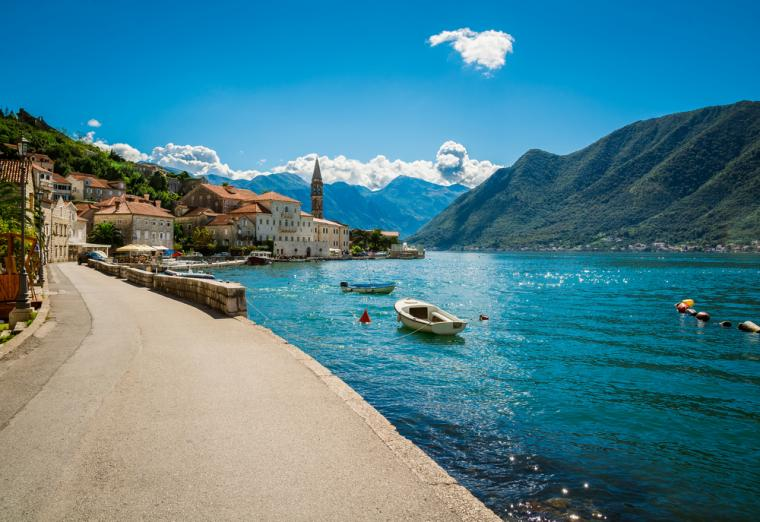 holiday apartments in Montenegro
