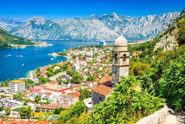 villas and apartments to rent in Montenegro